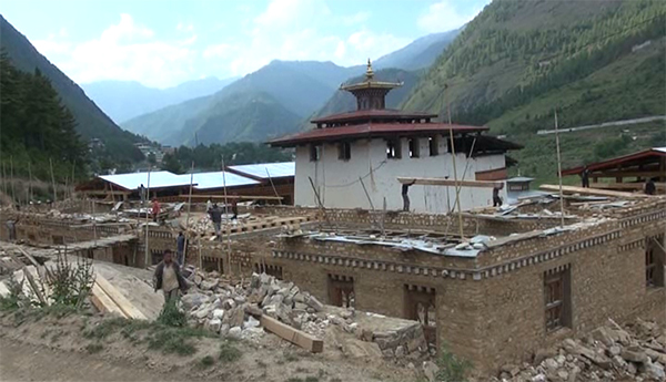 Lhakhang Karpo's reconstruction uninterrupted despite controversy