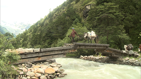 23 army personnel to build bridges in Laya