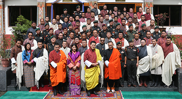 HM Grants Audience to Earthquake Relief Unit Members