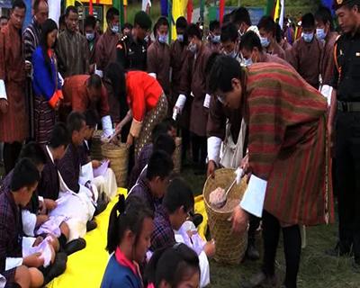 HRH Gyaltshab celebrates Thruebab in the east--