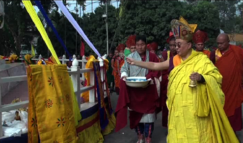 His Holiness the Je Khenpo consecrated a Sigdok Chorten