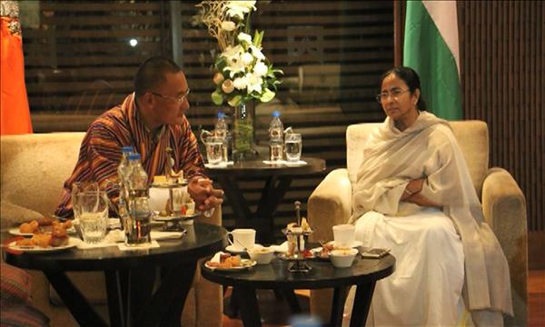 Lyonchhen meets Mamata Banerjee