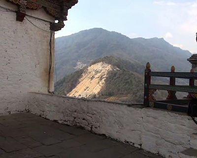 Blasting from road widening could damage Trongsa Dzong, locals fear---