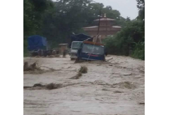 Border gate in Gelegphu flooded