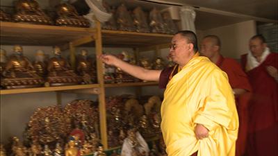 His Holiness consecrate Zhabdrung Ngawang Namgyel's statue--